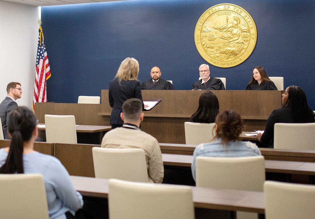 featured-moot-courtroom